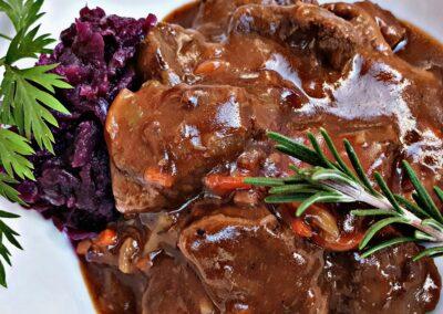 Wild Hirsch Gulasch Rotkohl Hof Viehbrook Rahe Ranch Mels Restaurant